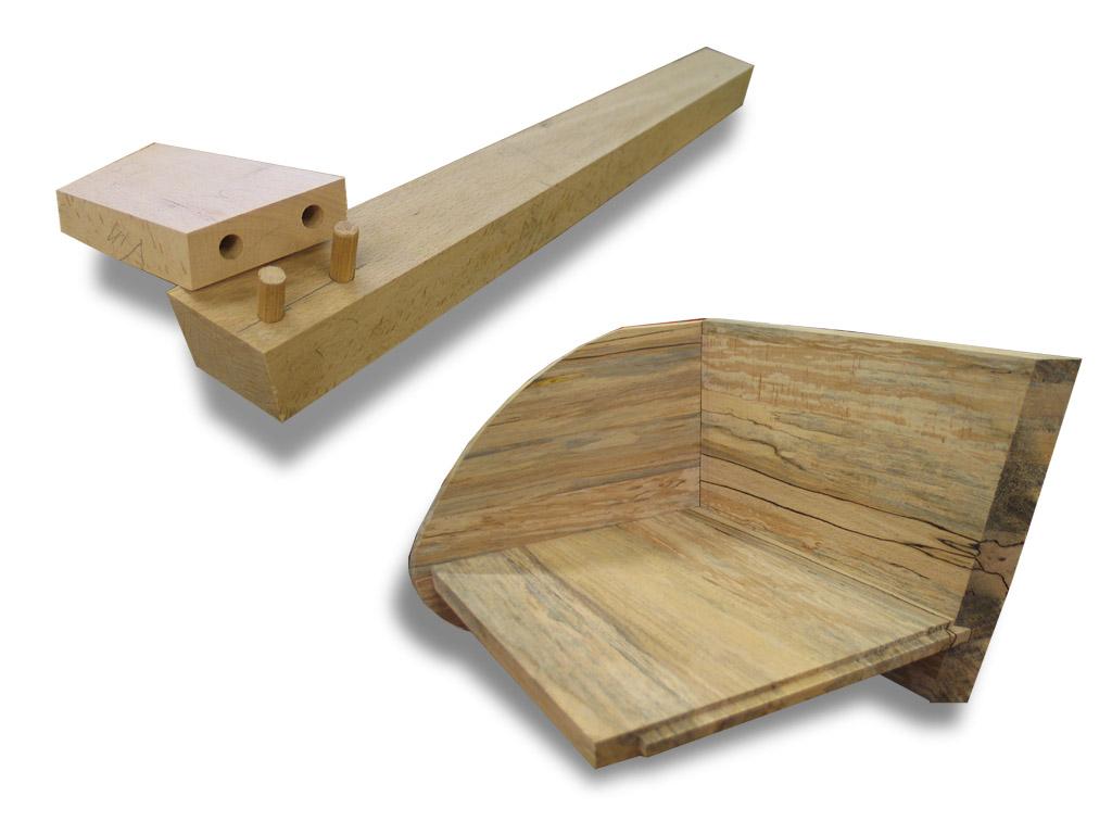 Deuvelverbinding van poot met regel en opbouw houten zitting